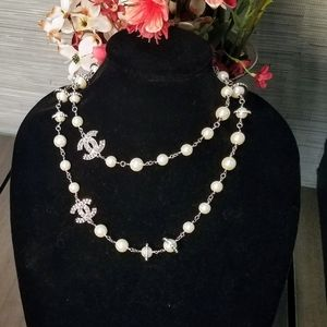 Authentic chanel classic pearl necklace Silverston